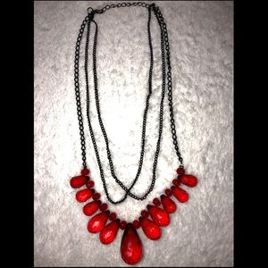 💎BOGO FREE! Gorgeous red layered beaded necklace!